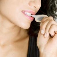 Одевание презерватива ртом