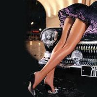 Как соблазнить девушку в машине?